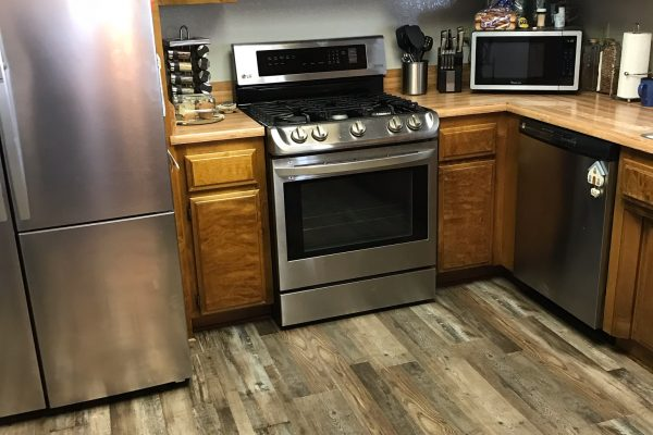 Waterproof Vinyl Flooring in Hesperia, California