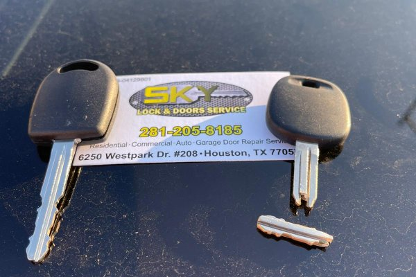 Toyota Key Extraction and Replacement in Houston