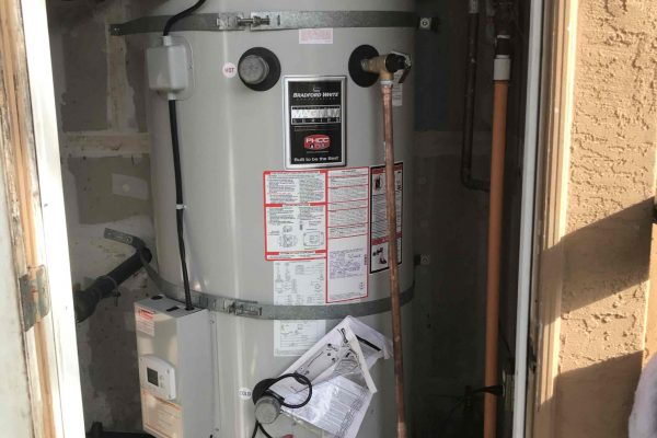100 Gallon Water Heater Replacement at Apartment Complex in Vista, CA