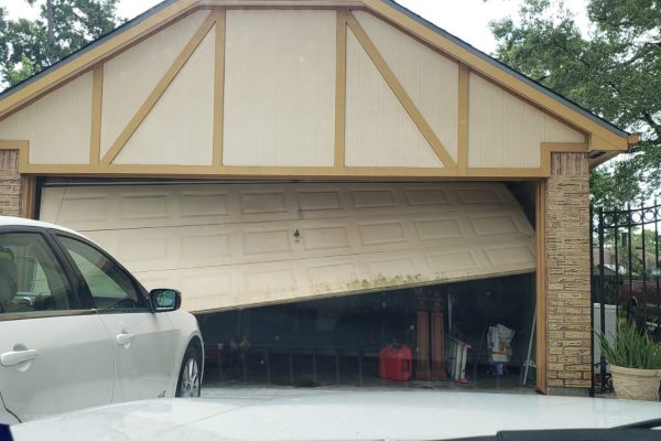 Garage Door Off Track Repair Houston , Texas